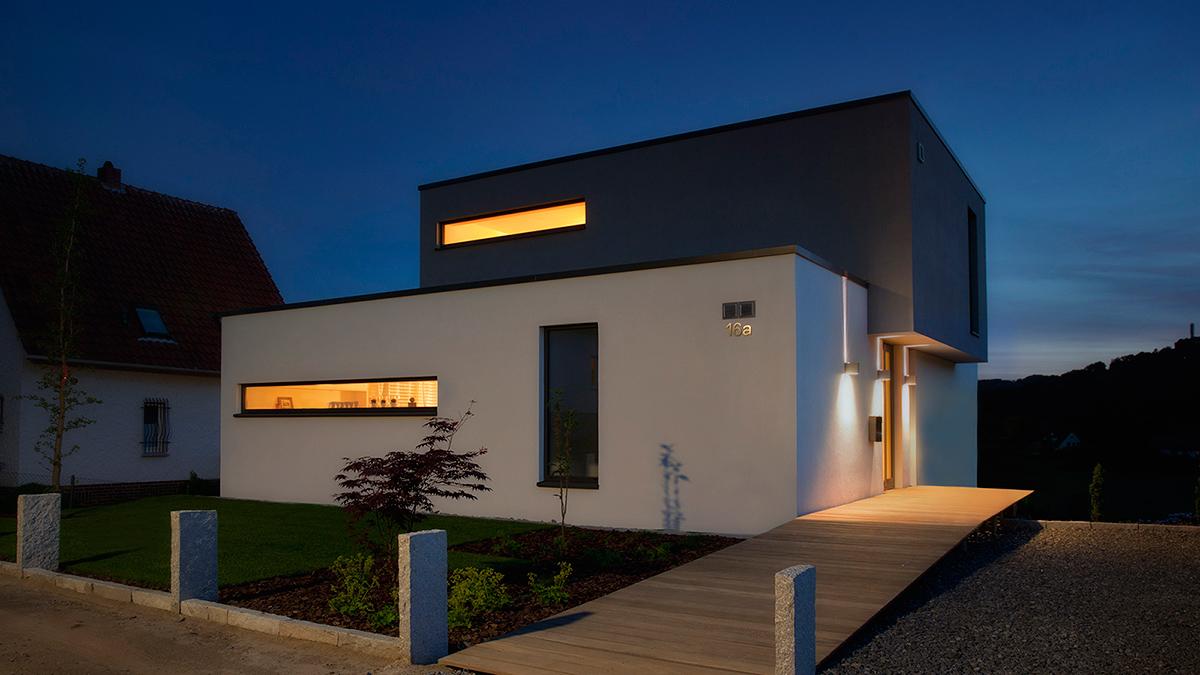 neubau einfamilienhaus am hang witteck kiefer. Black Bedroom Furniture Sets. Home Design Ideas